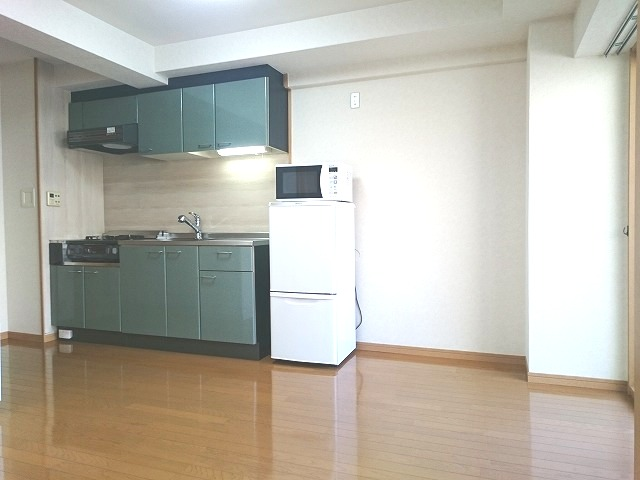 ローヤルマンション博多駅前 / 705号室リビング