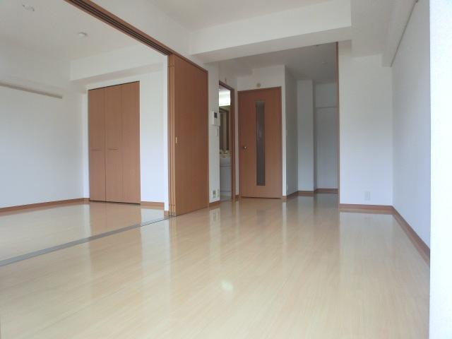 エクセレンス大宮 / 601号室リビング