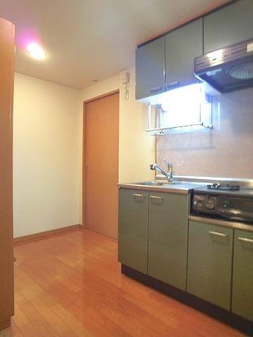 ソシア博多 / 303号室キッチン