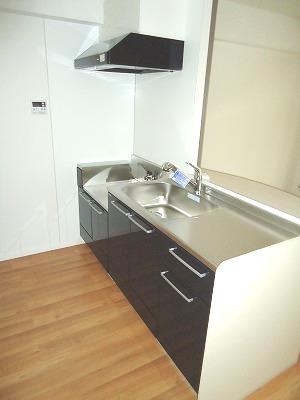 イースト フィールド那の川 / 803号室キッチン