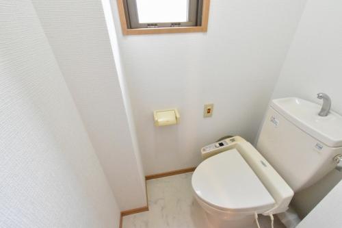 ローヤルマンション博多駅前 / 401号室トイレ