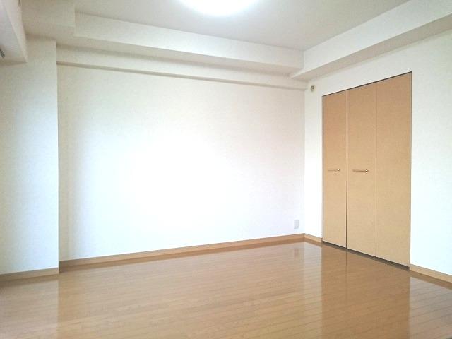 ローヤルマンション博多駅前 / 705号室洋室