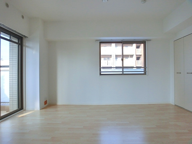 チュリスK1 / 503号室洋室
