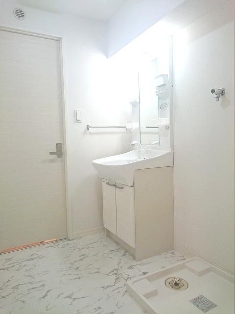 トラント・ドゥ博多 / 201号室洗面所