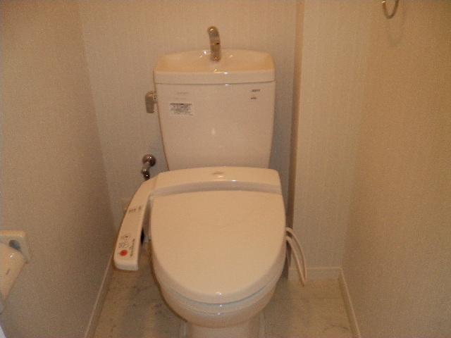 プレミール ホサカ / 602号室トイレ