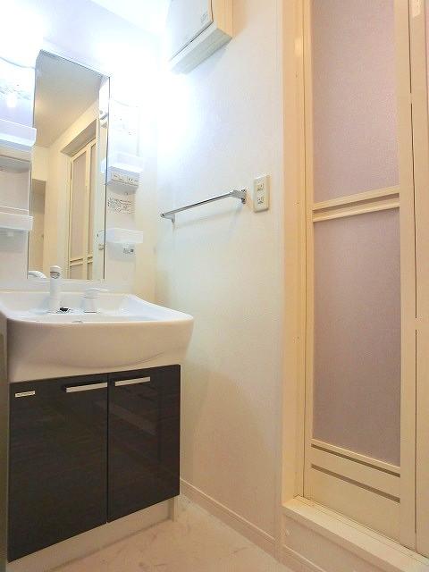 サン・ビオ渡辺通り / 402号室洗面所