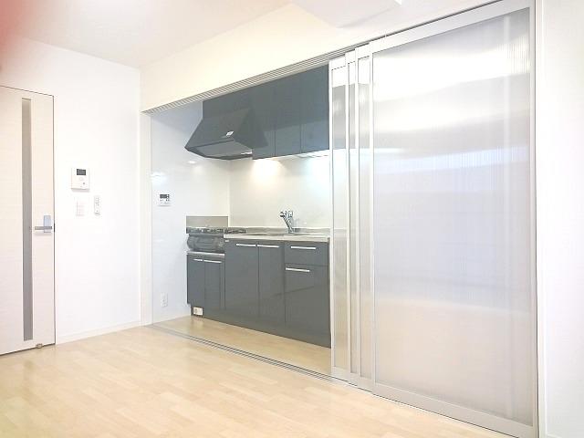 トラント・ドゥ博多 / 901号室キッチン