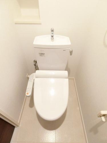リバーサイド大濠 / 605号室トイレ