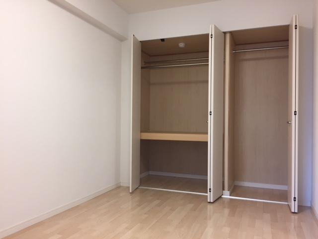 トラント・ドゥ博多 / 202号室収納