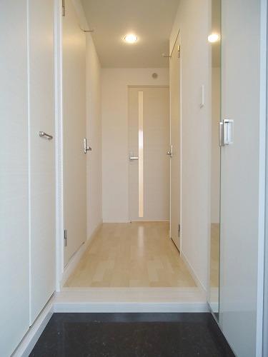 トラント・ドゥ博多 / 302号室玄関