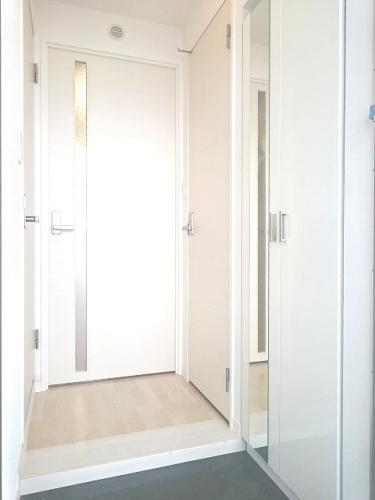 トラント・ドゥ博多 / 801号室玄関