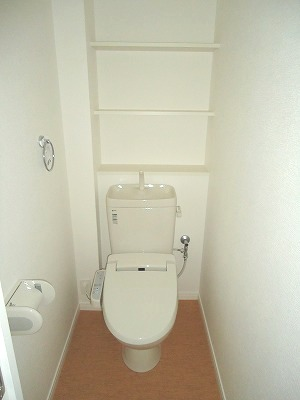 イースト フィールド那の川 / 302号室トイレ