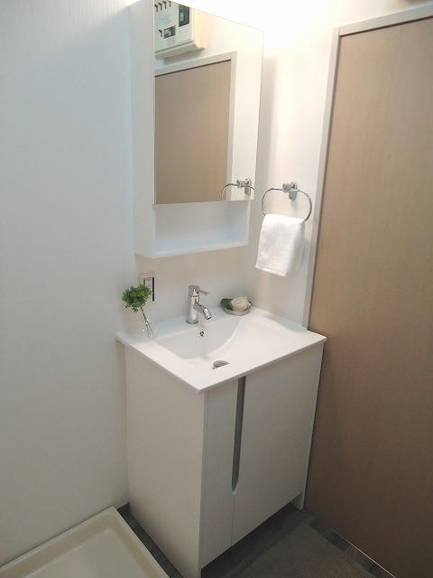 ドミール平尾 / 202号室玄関