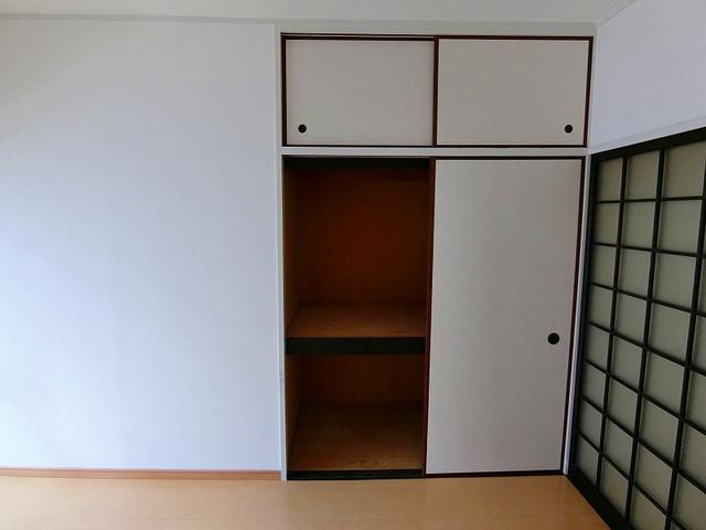 エクセレント岩瀬 / 302号室収納
