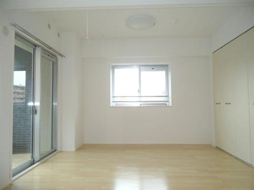 トラント・ドゥ博多 / 705号室収納