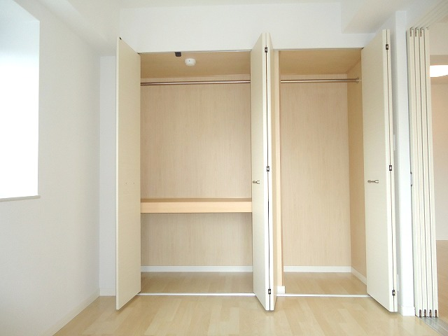 トラント・ドゥ博多 / 905号室収納