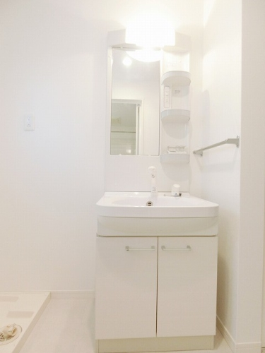 リバーサイド大濠 / 705号室洗面所
