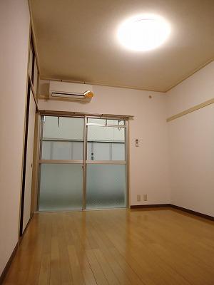 エクセレント岩瀬 / 105号室洋室