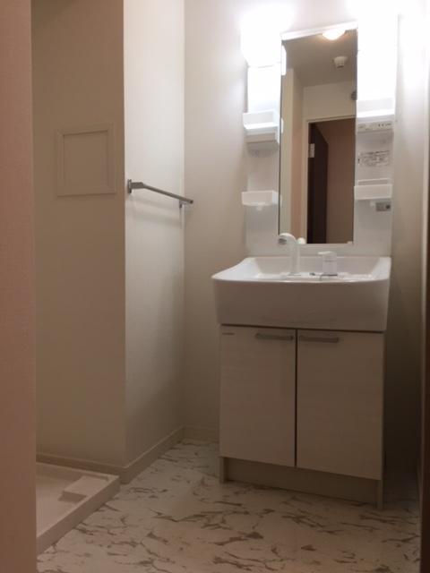 トラント・ドゥ博多 / 202号室洗面所
