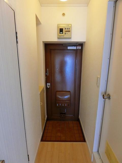 エクセレント岩瀬 / 202号室玄関