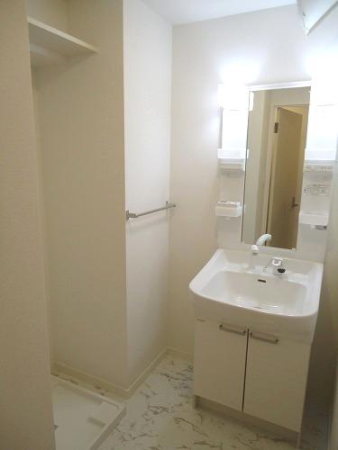 トラント・ドゥ博多 / 301号室洗面所