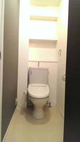 サン・ビオ渡辺通り / 401号室トイレ