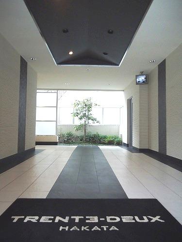 トラント・ドゥ博多 / 301号室エントランス