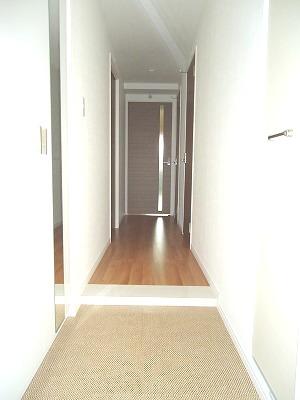 イースト フィールド那の川 / 705号室玄関