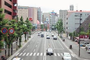福岡を横断する大通り。交通量も多く、福岡市内主要道路の一つ。